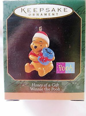 1997 Hallmark Miniature Christmas Ornament WINNIE THE POOH HONEY OF A GIFT