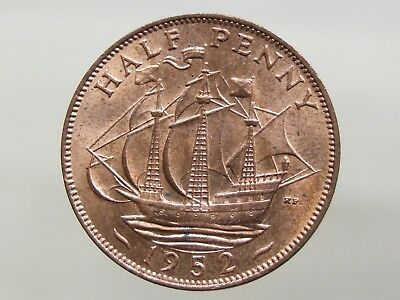 1952 Stunning Halfpenny. Loads of Royal Mint Lustre - FREE POSTAGE (J181)