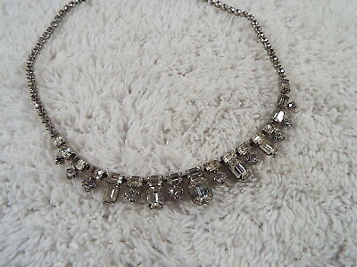 Vintage Signed WEISS Silvertone Rhinestone Necklace (B31)