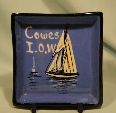 Watcombe Torquay Pottery Cowes I.O.W Sailing Boat Pintray in very good condition