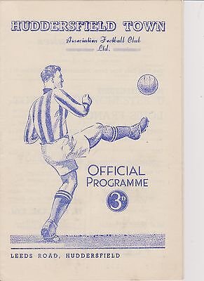 HUDDERSFIELD TOWN v MANCHESTER UNITED 51-52 LEAGUE MATCH