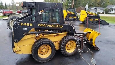 """USED New Holland LX465 Skid Steer Loader, Cab w/ Heater, 52"""" Hydraulic Plow"""