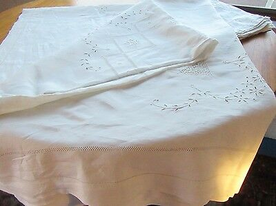 Vintage Handmade Linen Tablecloth Pierced Embroidered Monogrammed w 6 Napkins
