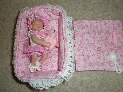 "OOAK fully posabile polymer clay baby girl 3 1/4"" Art Doll doll house plus extr"