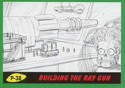 Mars Attacks The Revenge Green Pencil Art Base Card P-38 Building the Ray Gun