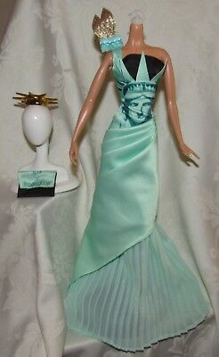 Barbie Model Muse Satue Of Liberty Landmark Collection Green Gown Purse Crown