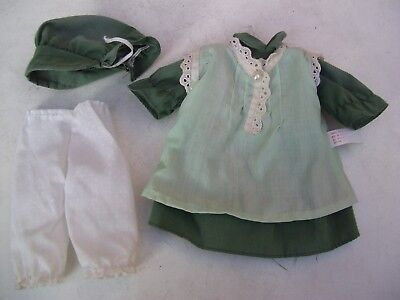Alte Puppenkleidung Green Apron Dress Hat Outfit vintage Doll clothes 25 cm Girl