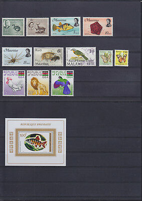054798 Tiere Animals Stamps Briefmarken ** MNH - Lot
