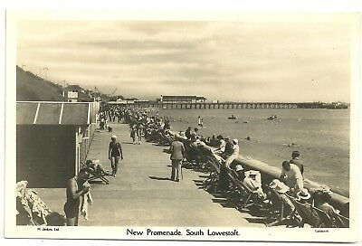 Suffolk postcard New Promenade South Lowestoft