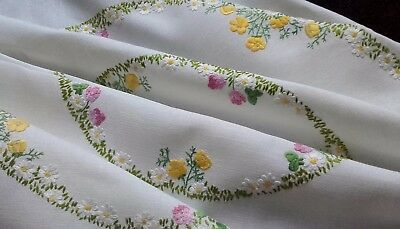 Vintage Hand Embroidered PRETTY RAISED MEADOW FLOWER CIRCLES Linen Tablecloth