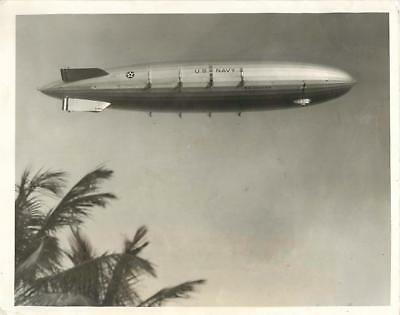 1933 Airship USS AKRON Arriving in Miami for National Air Races Press Photo