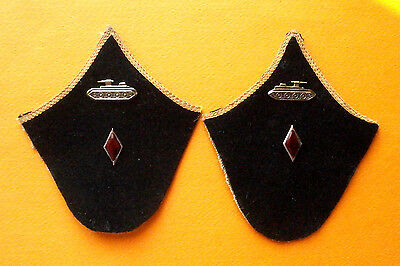 Russian collar tabs of the commander of crew of armored troops (World War II)
