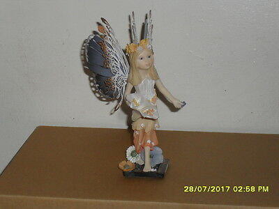 Collectible World  Fairy Way Figurine By Michael Talbot - Petal Princess - New
