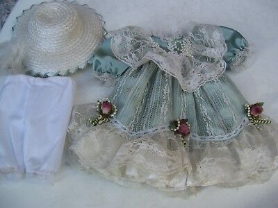Alte Puppenkleidung Lacy Fancy Dress Hat Outfit vintage Doll clothes 40 cm Girl