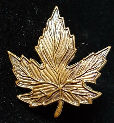 Canadian Officers Candidates School Cap Badge