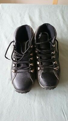 Childrens walking boots size 2
