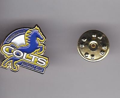Cumbernauld Colts ( Scottish Lowland League ) - lapel badge butterfly fitting