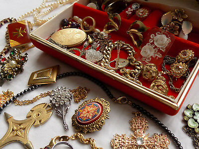 Mixed Lot of Vintage & Modern Jewellery & Box Rolled Gold Locket Brooches etc.