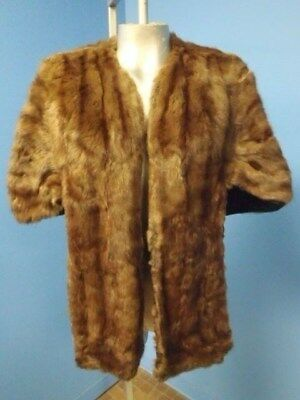 F04384 Holt Renfrew Great Condition Brown Squirrel Real Fur Shawl Cape M