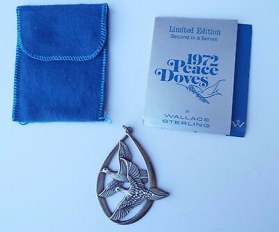 Collectible Vintage 1972 WALLACE Sterling Silver Christmas Pendant,Peace Doves