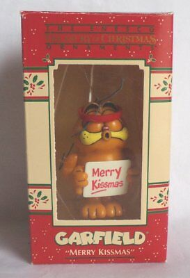 Enesco Garfield 'Merry Kissmas' Christmas Ornament