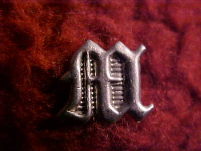 Original 1858 Usmc M Insignia For Inside Small Usmc Infantry Hunting Horn Badge