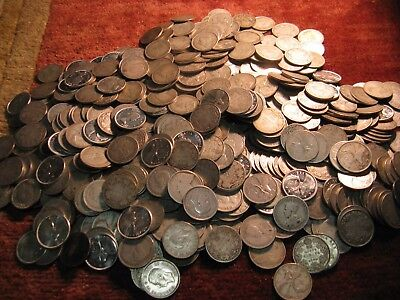 Lot Of 40  Random Canada Rare Old Silver Quarters From The Lot Like Shown