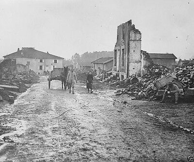 New 8x10 Photo- French peasants passing through Albert after the Battle of Somme