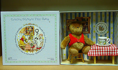 Gabrielle Designs - Winnie the Pooh with Royal Doulton Plates - Limited Edition