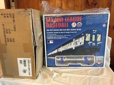 Major League Baseball Lionel Subway Series O Gauge Train Set NY Yankees & Mets
