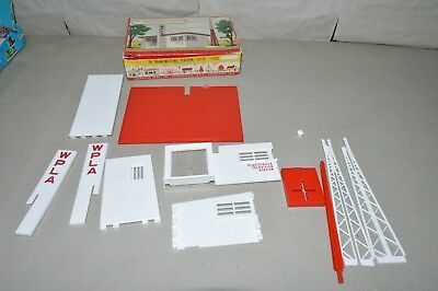 O scale Plasticville 1800 Gas Station ONE MISSING OIL CAN RACK