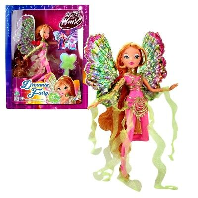 World of Winx - Dreamix Fairy Doll - Flora 28cm with Magical Robe