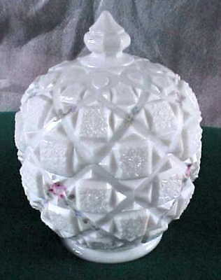 Westmoreland Old Quilt Pattern Milk White Candy Covered Dish