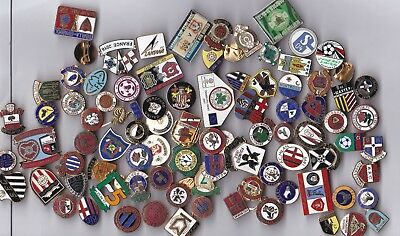 Collection of 90 mixed football badges from across Europe and beyond.