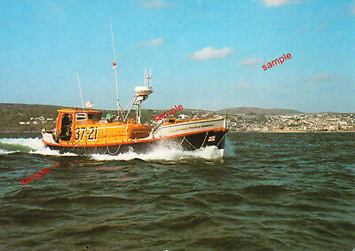 """Lifeboat St Ives """"frank Penfold Marshall"""" 1968 To 1989 At Sea Fantastic View"""