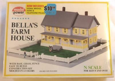 Model Power Bella's Farm House Kit with Base, Grass & Fence! N Gauge 1559