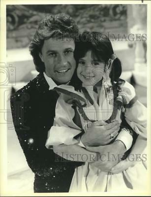 "1985 Press Photo Andy Gibb and Soleil Moon Frye star in NBC's ""Punky Brewster"""