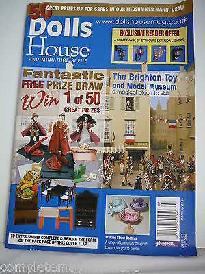 Dolls House and Miniature Scene Issue No 121 July 2004- The Brighton Toy museum