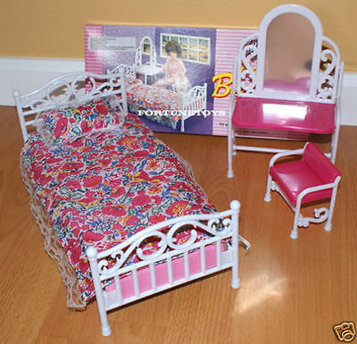 Gloria Furniture Beauty Bedroom W/mirror Pillow Playset For Barbie Dollhouse