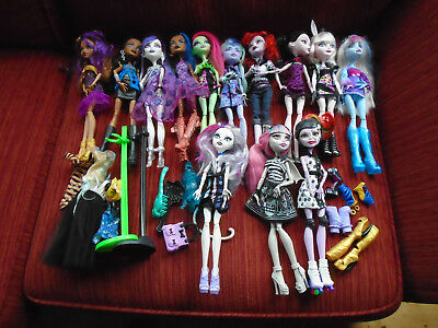 Monster High bundle 13 dolls plus accessories