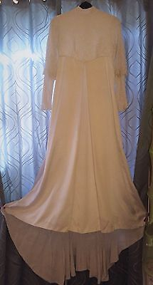BEAUTIFULLY HANDMADE VINTAGE 1960s WEDDING DRESS WITH LONG WIDE TRAIN SZ 6 - 8
