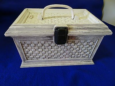 Vintage Lerner Off White Faux Wicker Hinged Box W. Clasp-Sewing/crafts/photos