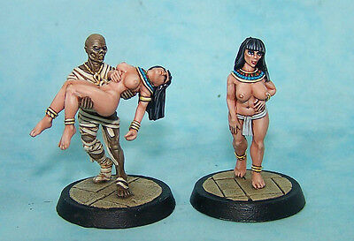 Egyptian Mummy Kidnapping Semi-naked Concubine 28mm Dark Fable UNPAINTED