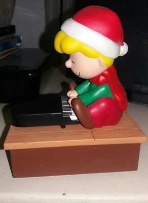Hallmark Wireless Peanuts Band SCHROEDER  PIANO  Plays music and moves ca 2011