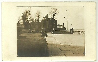 Isle of Wight postcard Cowes Royal Yacht Squadron