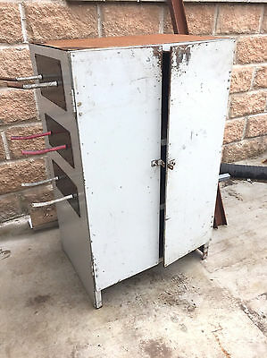 Industrial Grey Lockable Storage Cabinet With 2 Doors And 2 Shelves