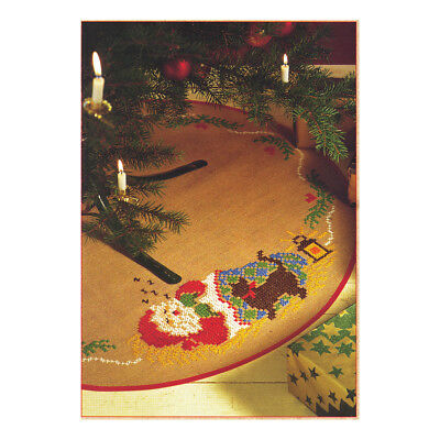 ANCHOR | Embroidery Kit: Santa and Cat -  Tree Carpet | 92400008536