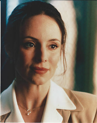 Madeleine Stowe 8 X 10 Photo With Ultra Pro Toploader