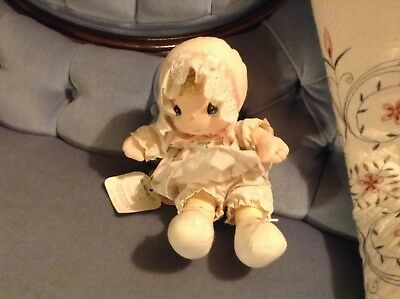 "PRECIOUS MOMENTS MUSICAL DOLL ""Rock a bye baby"" 1986 RUTHIE Head Moves Around"
