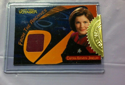 The Quotable Star Trek Voyager - Janeway Costume Relic Card CC45 RED VARIANT